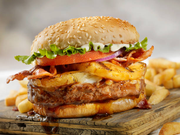 Hawaiian Teriyaki, Pineapple and Bacon Burger with Fries:スマホ壁紙(壁紙.com)