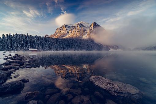 Canadian Rockies「Lake Louise,winter view」:スマホ壁紙(7)