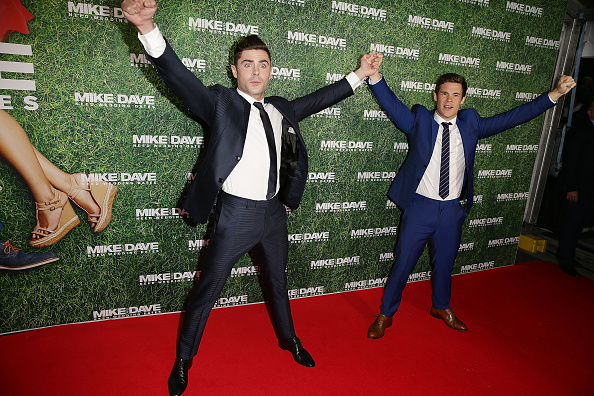 ザック・エフロン「Mike And Dave Need Wedding Dates Fan Premiere - Arrivals」:写真・画像(7)[壁紙.com]