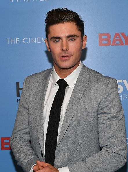 ザック・エフロン「The Cinema Society Hosts A Screening Of 'Baywatch' - Arrivals」:写真・画像(11)[壁紙.com]