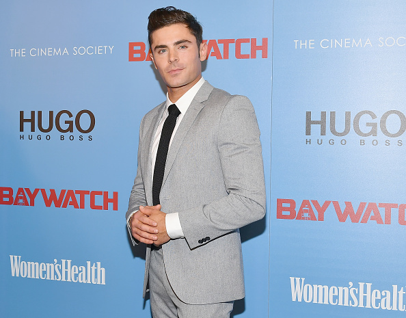 Zac Efron「The Cinema Society Hosts A Screening Of 'Baywatch' - Arrivals」:写真・画像(8)[壁紙.com]