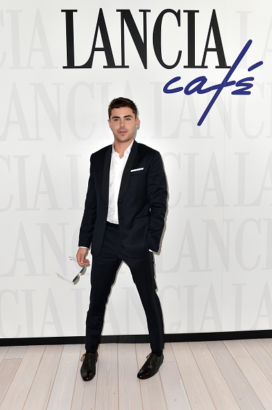 Black Color「Celebrities At The Lancia Cafe: Day 3 - The 69th Venice Fim Festival」:写真・画像(14)[壁紙.com]