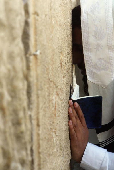 Focus On Background「Jewish Pilgrims Celebrate Passover In Jerusalem」:写真・画像(5)[壁紙.com]
