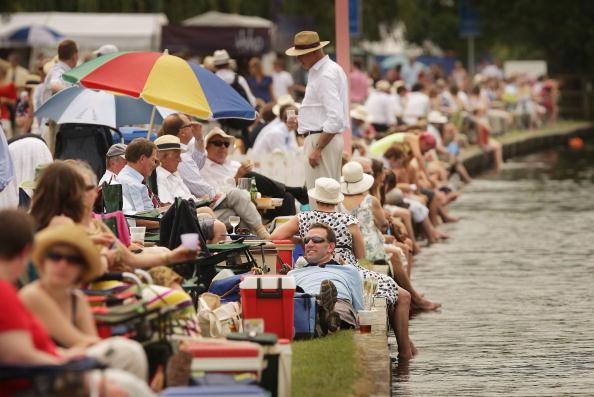 ヘンリーロイヤルレガッタ「Henley Royal Regatta - A Highlight Of The English Social Season」:写真・画像(7)[壁紙.com]