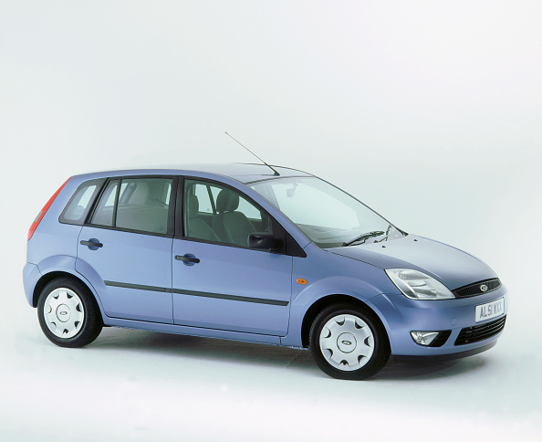 Clipping Path「2002 Ford Fiesta」:写真・画像(8)[壁紙.com]