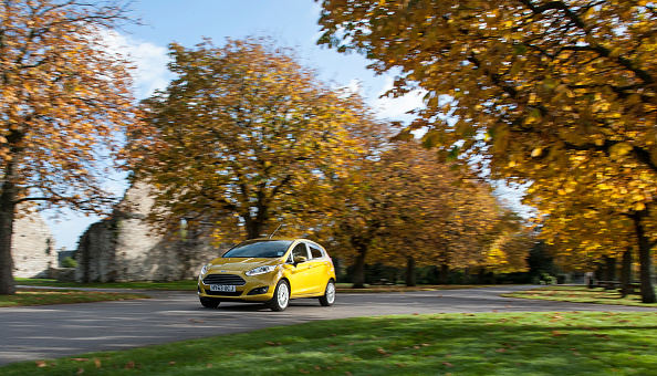 Yellow「2013 Ford Fiesta Econetic」:写真・画像(16)[壁紙.com]