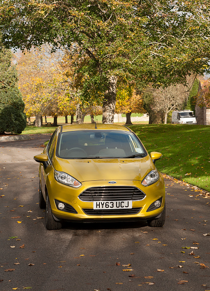 Yellow「2013 Ford Fiesta Econetic」:写真・画像(15)[壁紙.com]