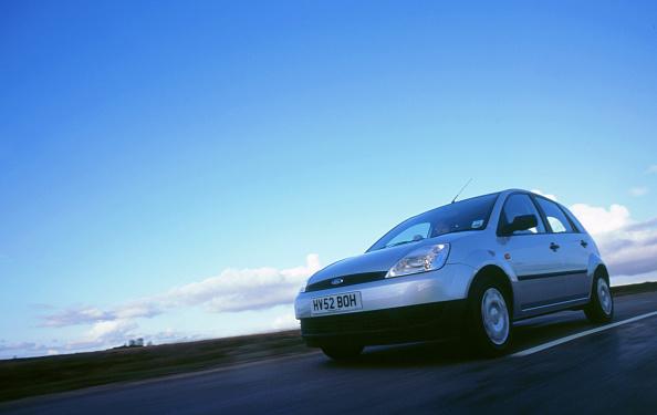 Hatchback「2003 Ford Fiesta LX」:写真・画像(13)[壁紙.com]