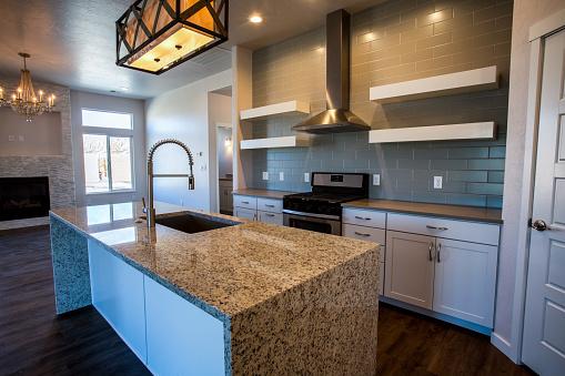 Quartz「Beautiful Modern Kitchen in a New Home」:スマホ壁紙(10)