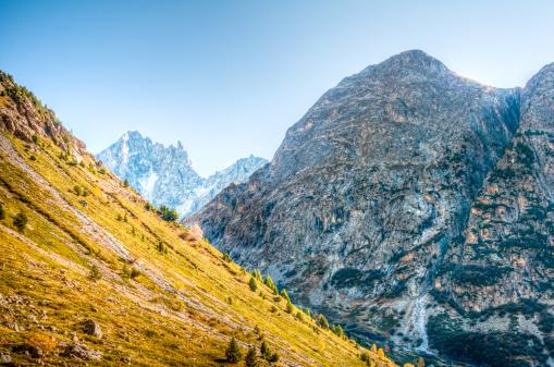 グルノーブル「HDR 美しい山の風景」:スマホ壁紙(2)