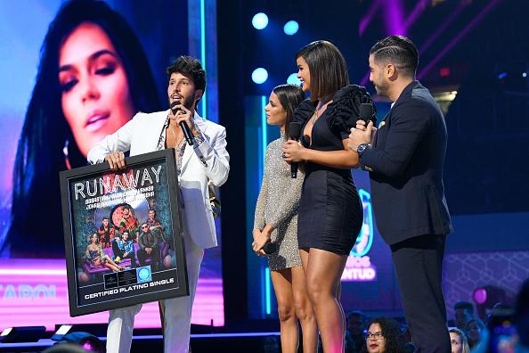 Sebastián Yatra「Premios Juventud 2019 - Show」:写真・画像(14)[壁紙.com]