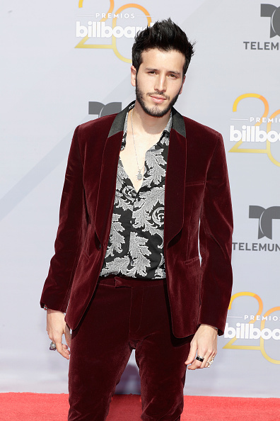 Sebastián Yatra「2018 Billboard Latin Music Awards - Arrivals」:写真・画像(9)[壁紙.com]