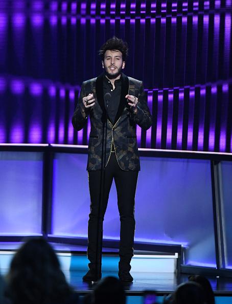 Sebastián Yatra「2019 Billboard Latin Music Awards - Show」:写真・画像(8)[壁紙.com]