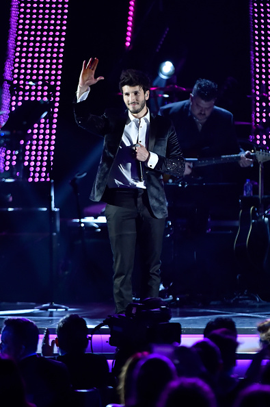 Sebastián Yatra「The 19th Annual Latin GRAMMY Awards - Person Of The Year Gala Honoring Mana - Show」:写真・画像(5)[壁紙.com]