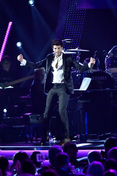 Sebastián Yatra「The 19th Annual Latin GRAMMY Awards - Person Of The Year Gala Honoring Mana - Show」:写真・画像(4)[壁紙.com]