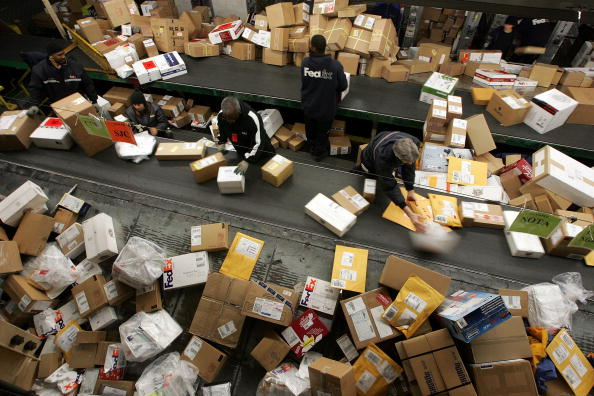 Package「Fed Ex Estimates Record Day For Shipping」:写真・画像(3)[壁紙.com]
