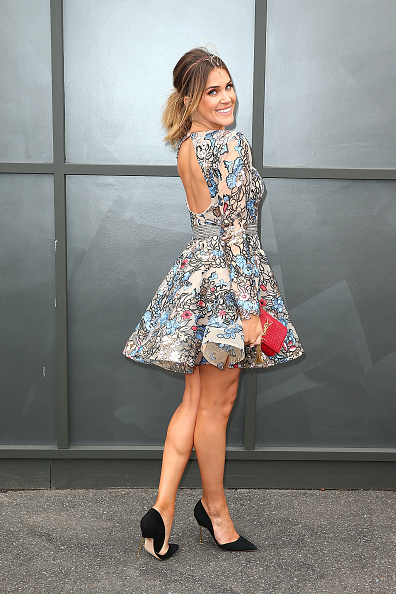 Red Purse「Celebrities Attend Melbourne Cup Day」:写真・画像(4)[壁紙.com]
