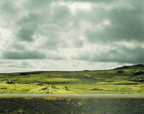 Horror「Barren roadside landscape」:スマホ壁紙(9)