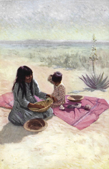 Arizona「Native American woman from the Pima tribe, Arizona, weaving a basket from fibre of the yucca.」:写真・画像(15)[壁紙.com]
