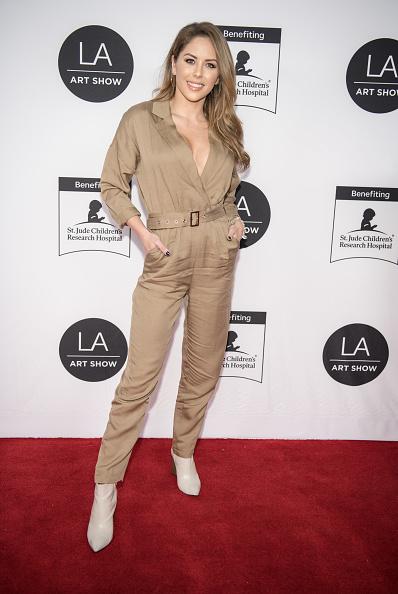 Brittney Palmer「2020 LA Art Show Opening Night」:写真・画像(6)[壁紙.com]