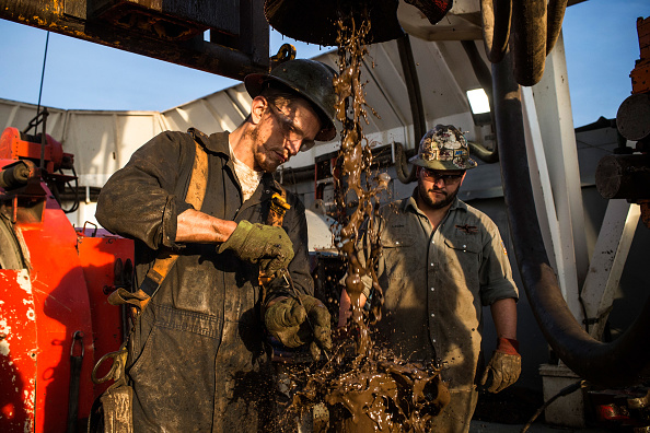 Shale「Oil Boom Shifts The Landscape Of Rural North Dakota」:写真・画像(0)[壁紙.com]