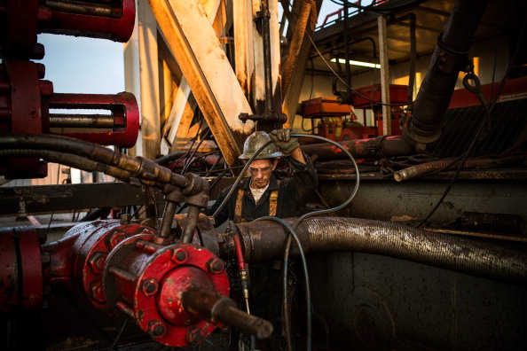 Shale「Oil Boom Shifts The Landscape Of Rural North Dakota」:写真・画像(1)[壁紙.com]