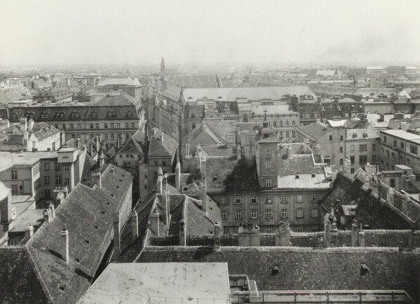City Life「Vienna 1St District. View From The Tower In The Herrengasse To The North; In The Background The Church Maria Am Gestade. About 1935. Photograph By Bruno Reiffenstein.」:写真・画像(6)[壁紙.com]