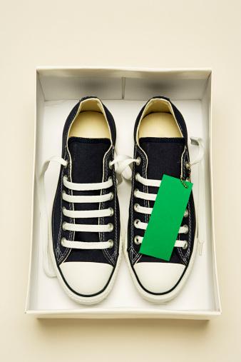 Fair Trade「Trainers in shoe box」:スマホ壁紙(5)