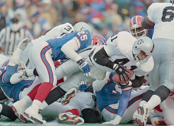 Touchdown「Los Angeles Raiders vs Buffalo Bills」:写真・画像(7)[壁紙.com]