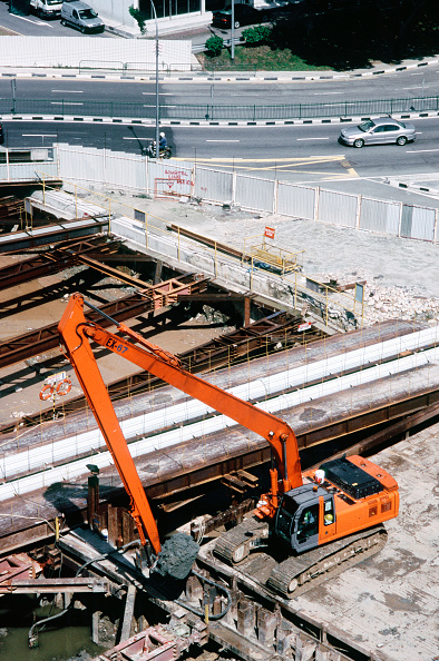 Construction Machinery「Excavator working on new expressway, Singapore, elevated view」:写真・画像(17)[壁紙.com]