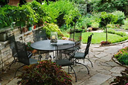 Paving Stone「Patio Furniture in Yard with Flower Beds, Landscaped Ornamental Garden」:スマホ壁紙(14)