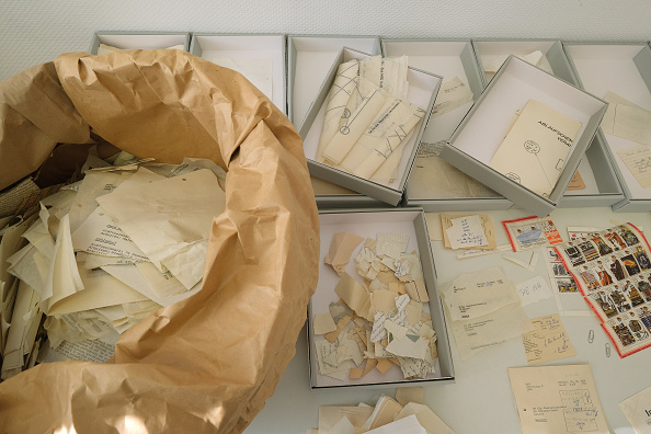 Privacy「30 Years Since Revolution Germany Seeks To Reconstruct Torn Secret Police Documents」:写真・画像(16)[壁紙.com]