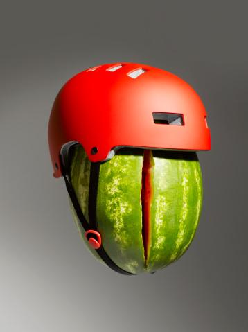 スイカ「Cracked Watermelon and Helmet」:スマホ壁紙(3)