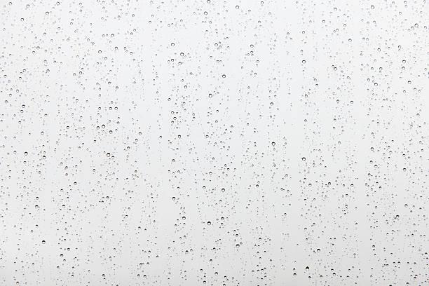雨のガラスの雨滴:スマホ壁紙(壁紙.com)