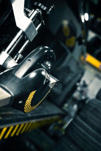 Mechanic「car checking」:スマホ壁紙(4)