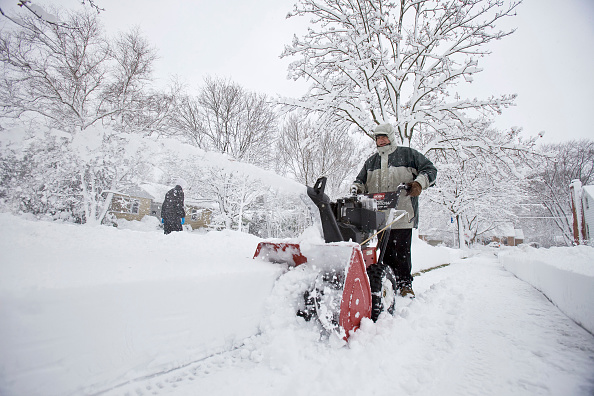 Wisconsin「Major Midwest Snow Storm Dumps 17 Inches On Madison, Wisconsin」:写真・画像(18)[壁紙.com]
