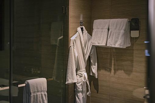 Health Spa「Bathrobe towel bath」:スマホ壁紙(11)