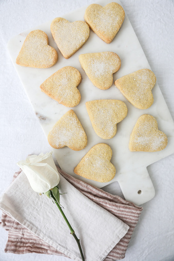 Cookie「Heart shaped shortbread biscuits」:スマホ壁紙(19)