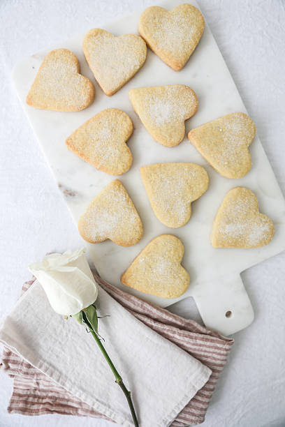 Heart shaped shortbread biscuits:スマホ壁紙(壁紙.com)