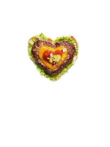 ハート「Heart shaped cheese burger on white background」:スマホ壁紙(5)
