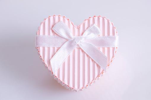 バレンタイン「Heart Shaped Gift Box」:スマホ壁紙(10)