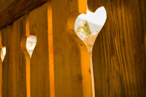 Val d'Isere「heart shape wooden fence」:スマホ壁紙(6)