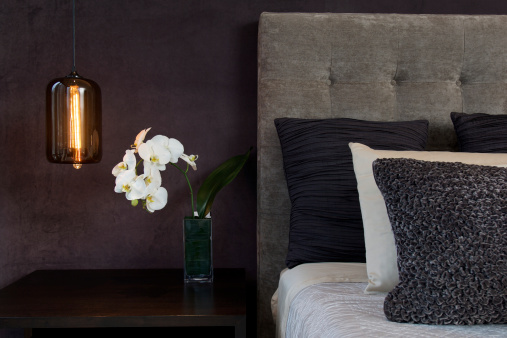 Hotel Room「Headboard Detail with Pillows Lamp and Orchid Flowers」:スマホ壁紙(6)