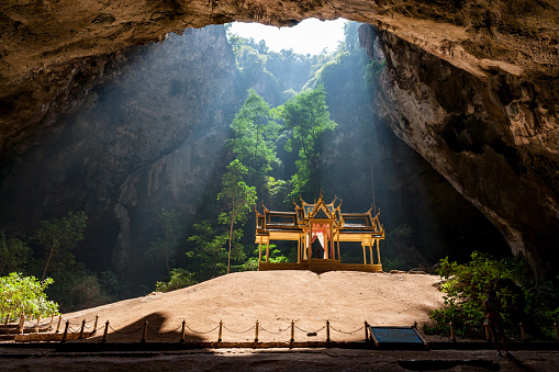 ゴルフ「カオサムロイヨッドヨー Prachuab Khiri Khan、タイのプラ ・ ナコーン洞窟でロイヤルのサラ。」:スマホ壁紙(18)
