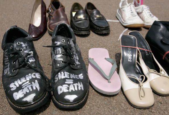 Shoe「AIDS Activists March In Washington」:写真・画像(2)[壁紙.com]