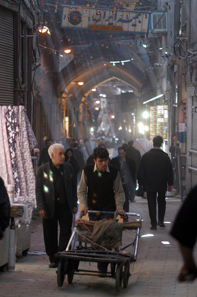 Kaveh Kazemi「Tehran Bazaar」:写真・画像(3)[壁紙.com]