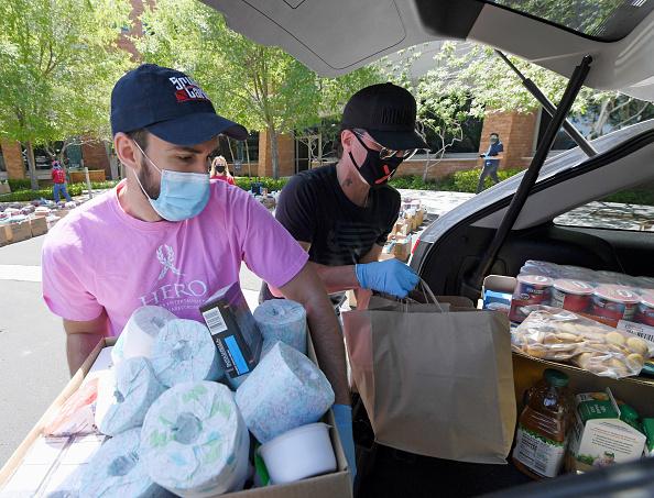 Toilet Paper「Criss Angel's Charity Donates To Pediatric Cancer Treatment Center」:写真・画像(1)[壁紙.com]
