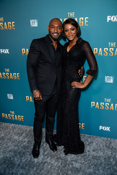 フロアレングス「FOX's 'The Passage' Premiere Party - Arrivals」:写真・画像(19)[壁紙.com]