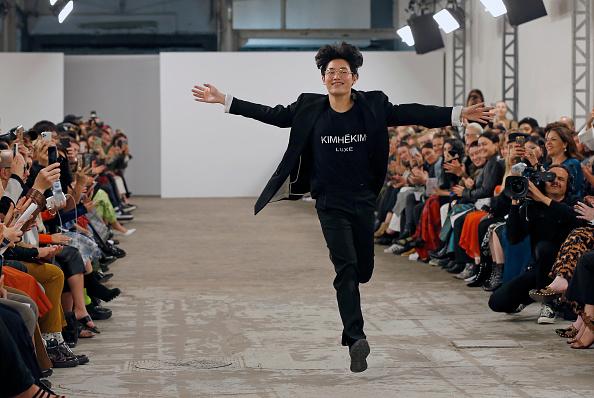 Gratitude「Kimhekim : Runway - Paris Fashion Week - Womenswear Spring Summer 2020」:写真・画像(2)[壁紙.com]