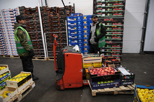 野菜・フルーツ「Trading At UK's Largest Vegetable Market As Bad Weather Blamed For Shortages」:写真・画像(6)[壁紙.com]
